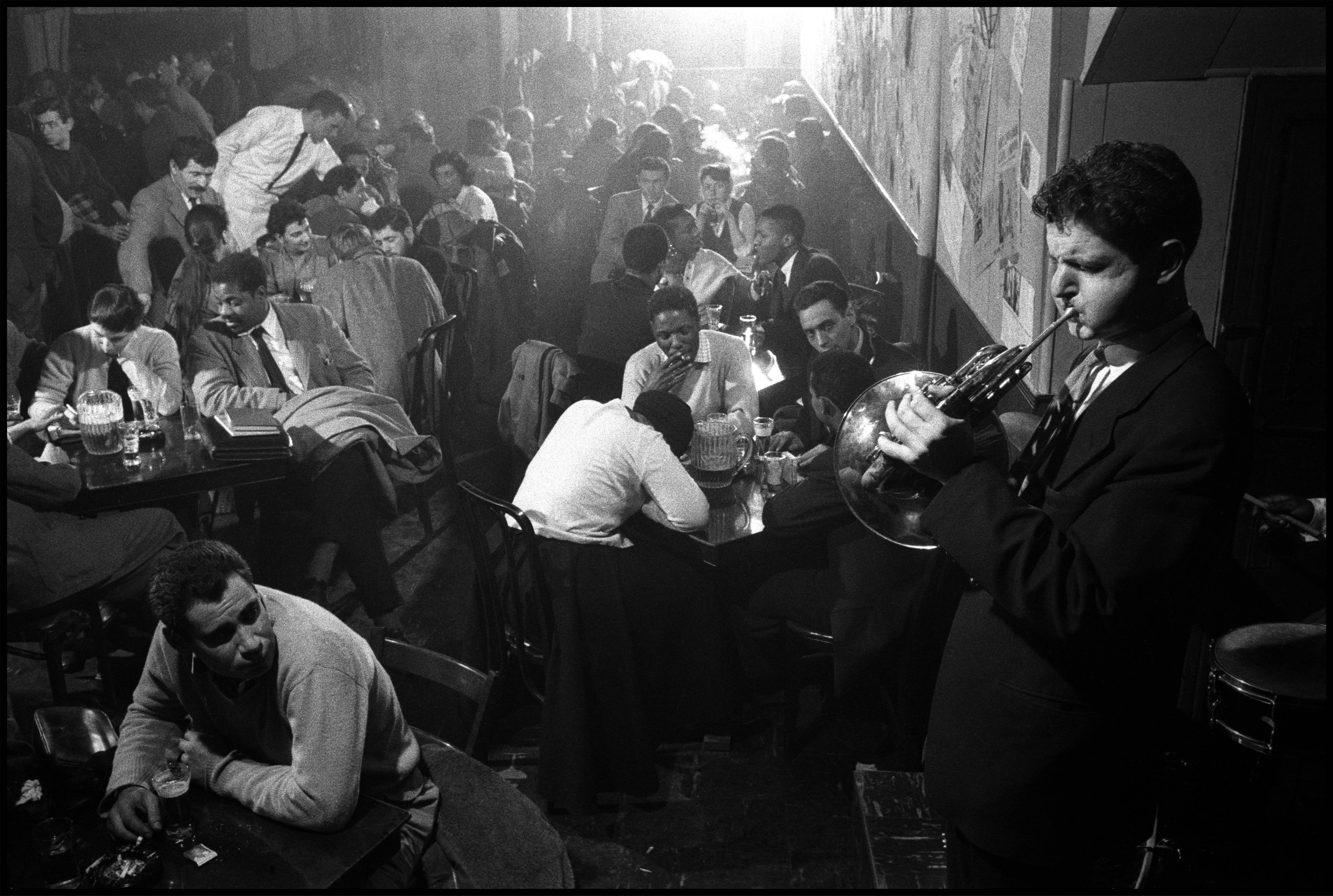 USA. New York City. 1957. David AMRAM entertains at the Five Spot Cafe.