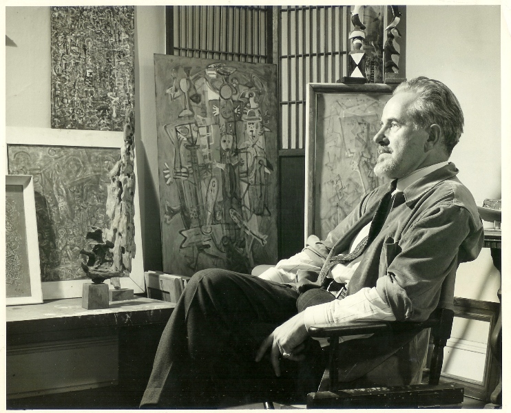 Mark Tobey nel suo studio, 1949. Courtesy Arthur Lyon Dahl. Photo by Larry Novak.
